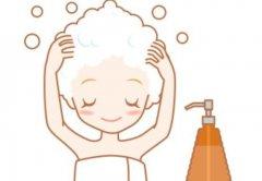 夏天不洗头能避免脱发吗